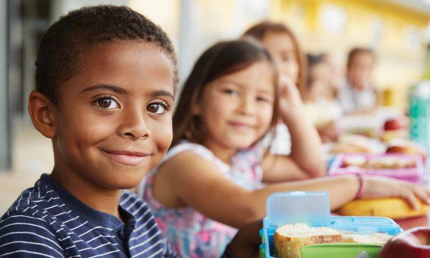 École, famille, communauté et classes d'accueil